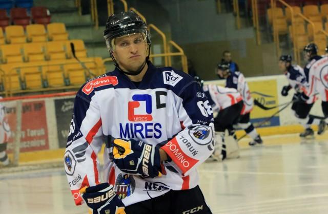 Jacek Dzięgiel był jednym z tylko czterech graczy Nesty Miresa Toruń, który rozegrał wszystkie 50 meczów w minionym sezonie (jego dorobek to 7 bramek i 20 asyst)