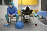 Studenci Śląskiego Uniwersytetu Medycznego podjęli #religachallenge i odtworzyli słynne zdjęcie. Zobaczcie