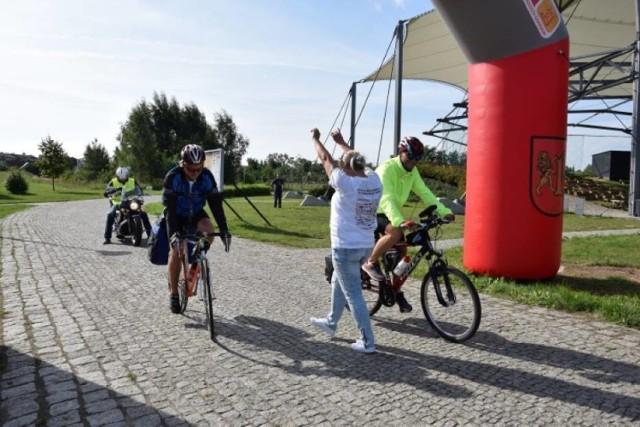Rok temu, 1 września Krzysztof Zyskowski i Kamil Szymański wyruszyli z Pruszcza do Nowego Sącza, aby zebrać pieniądze na leczenie Jasia Bielińskiego. Teraz planują przejechać rowerami dla Mikołaja z Tczewa.