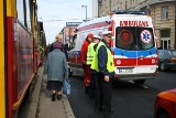 Śmiertelny wypadek na Jana Pawła II. Kobieta wpadła pod tramwaj