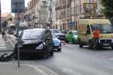 Wypadek na ulicy Czarnieckiego w Legnicy, ranny motocyklista