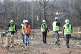 Ruszyły prace na stawie Kalina w Świętochłowicach. To koniec z ekologiczną bombą w dzielnicy Zgoda