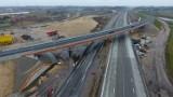 Budowa autostrady A1 w Łódzkiem. Jak postępują prace w okolicach Radomska i Piotrkowa? Najnowsze ZDJĘCIA