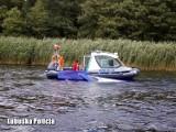 Sława: Akcja ratunkowa na jeziorze. Policjant i ratownicy wyciągali ludzi z wody