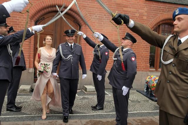 W słupskim Urzędzie Stanu Cywilnego związek małżeński zawarli Monika Stefanek i Daniel Czarniak.