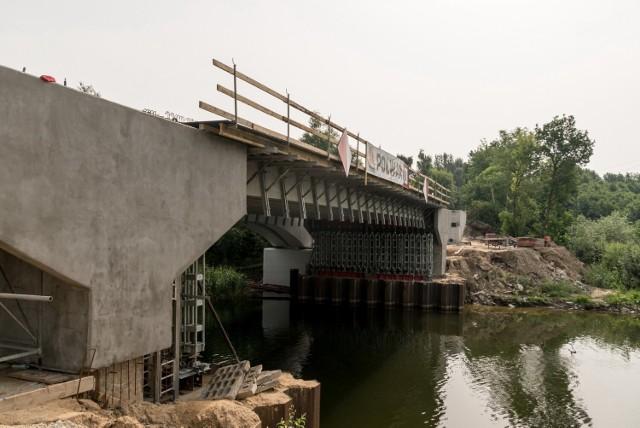 Trwają prace na moście Bernardynka w Koninie