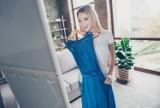 Sukienki modne tej wiosny! Złap je na wyprzedażach do 50 zł!