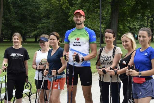 OSiR Skierniewice zorganizował kolejne zajęcia Nordic Walking w Parku Miejskim