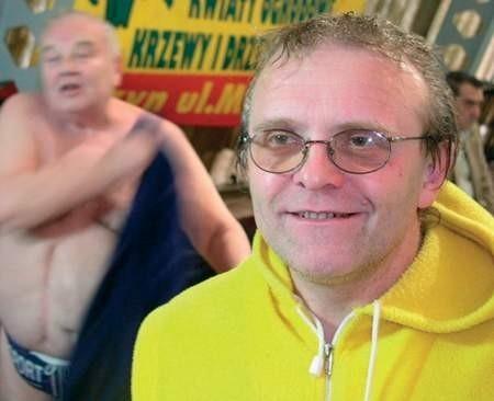 Janusz Widzik codziennie trenuje w basenie przez 4-5 godzin.