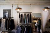 Modne kolekcje ubrań dla panów. Największe promocje w sklepach online: Reserved, Zara, Medicine, Diverse, H&M, Vistula [6.12]