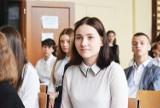Zakończenie roku szkolnego 2020/2021. Uczniowie Szkoły Podstawowej nr 1 im. III Tysiąclecia w Sycowie odebrali świadectwa (ZDJĘCIA)