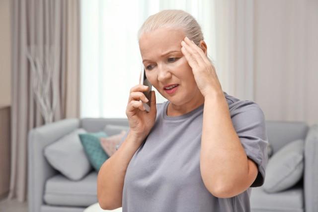 Ból głowy jest zwykle wczesnym objawem COVID-19. Jego pojawienie się może stanowić jednak dobry znak.