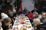 Wspólna wieczerza bezdomnych i wykluczonych w Katowicach