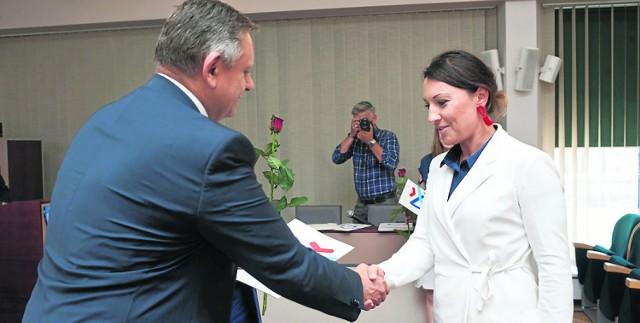 Członkinie Rady Kobiet odebrały od prezydenta Koszalina akty powołania
