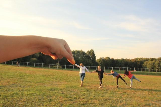 Na zajęciach koło fotograficznego dzieci doskonale się bawią, poznają obsługę aparatu i przy okazji robią takie, niesamowite zdjęcia.