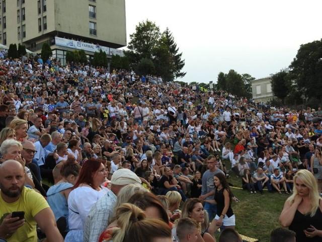 Plenerowe imprezy w Łomży, co roku przyciągają tłumy mieszkańców