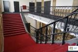 Budynek kina Iskra odzyskał dawny blask. Trwają w nim ostatnie prace wykończeniowe [ZDJĘCIA]