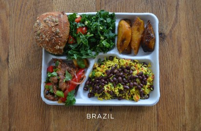 Takie obiady jedzą uczniowie na świecie! [zdjęcia]