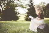 W tych książkach się zakochasz! Sprawdź najpopularniejsze romanse ostatnich miesięcy
