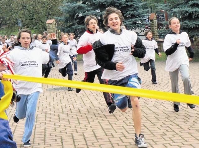 W ubiegłorocznym Biegu Papieskim wzięło udział kilkudziesięciu młodych bochnian