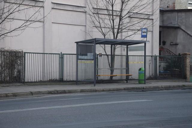 Fatalny stan zatok autobusowych na ul. Bankowej w Kaliszu