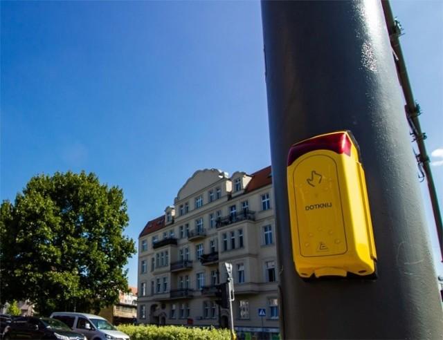 Zielone światło na przejściu dla pieszych zapali się automatycznie, nie trzeba dotykać przycisków