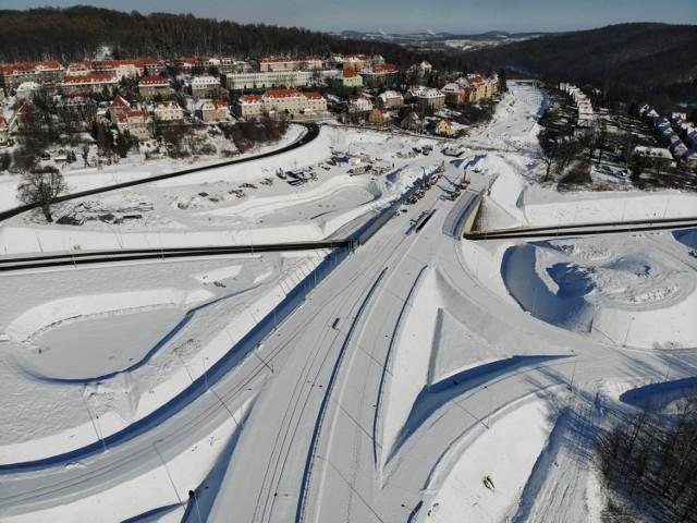 Tak wygląda obwodnica Wałbrzycha przykryta śniegiem, zobaczcie klimatyczne zdjęcia