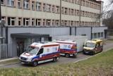 """Rok pandemii w Szpitalu Specjalistycznym w Chorzowie. """"Lekarze pracują po trzy doby, często bez odpoczynku"""""""