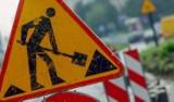 Prace drogowe na Gocławiu. Zmiany w organizacji ruchu i kursowaniu autobusów