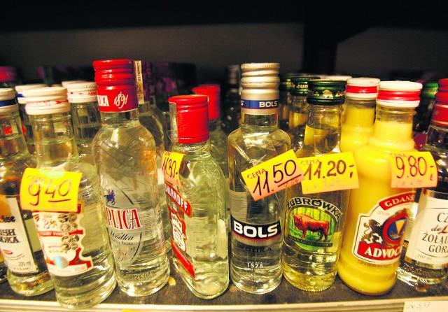 Może radni powalczą z melinami, ale wódkę kupimy w Borzęcinie tuż obok szkoły czy kościoła