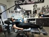 Wągrowiec. Tatuażysta Dariusz Lis potrafi stworzyć arcydzieła na ciele. Zobaczcie, co tatuują sobie mieszkańcy Wągrowca i okolic