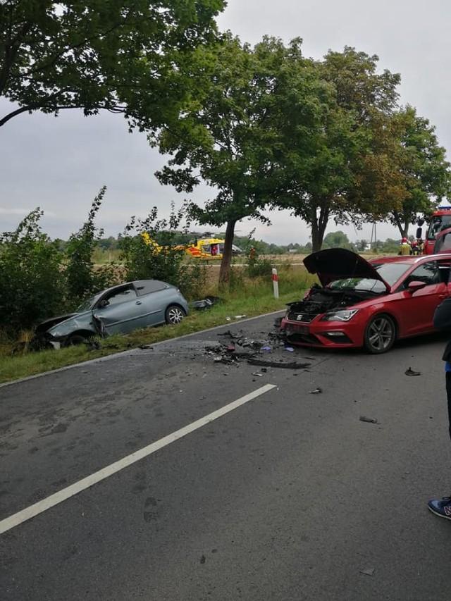 Obórki - wypadek z udziałem trzech aut osobowych
