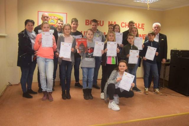 """Ogólnopolski Turniej Wiedzy Pożarniczej """"Młodzież Zapobiega Pożarom"""" w Czerniejewie"""