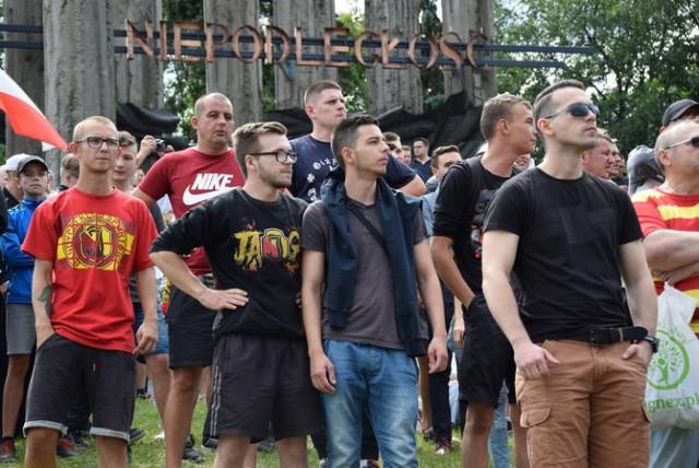 Co działo się na pierwszym marszu równości w Białymstoku? Nowe spojrzenie na wydarzenia z 20 lipca