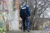 Nie bądźmy obojętni na zagrożenia związane z wychłodzeniem organizmu! - apelują mundurowi z Komendy Powiatowej Policji w Pucku