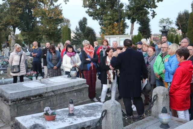 Gniezno. Spacer po cmentarzu św. św. Piotra i Pawła