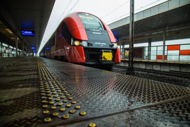 SKM: odwołane pociągi i utrudnienia w ruchu od rana