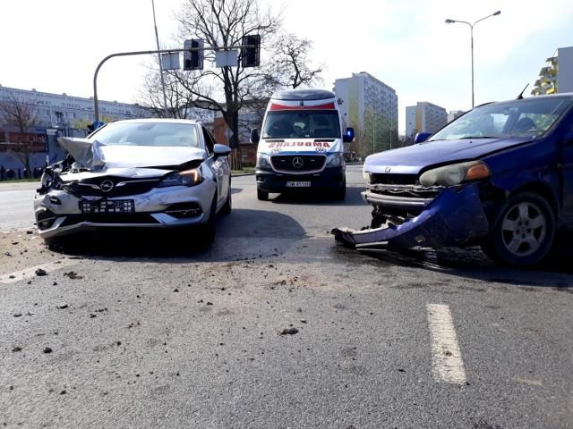 Wypadek na ul. Popowickiej we Wrocławiu 31.03.2021