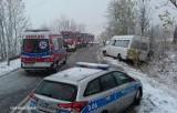 Boguszów-Gorce: Bus przewożący pasażerów zjechał do rowu. Interweniowali strażacy (ZDJĘCIA)