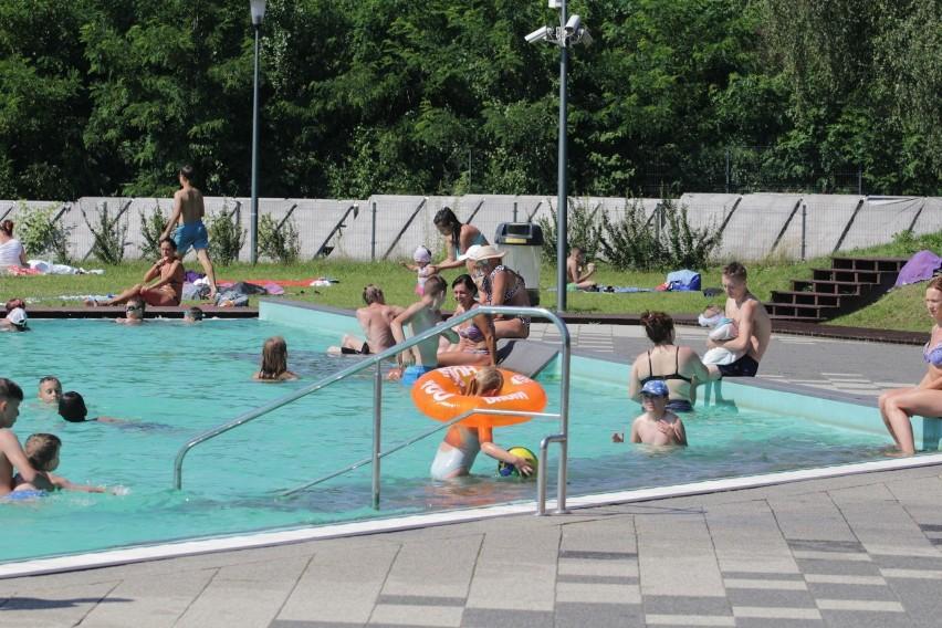 Wypoczynek na kąpielisku Skałka w Świętochłowicach.Zobacz...