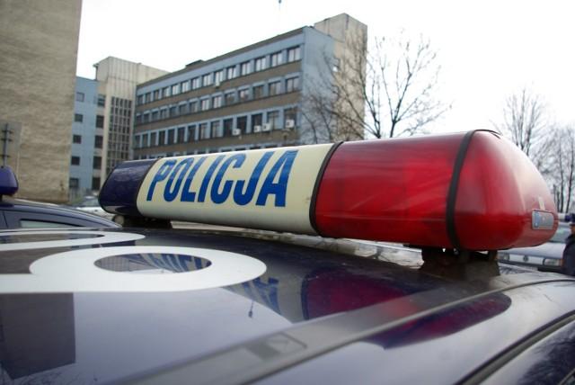 Policjanci zatrzymali 29-latka, który ukradł cztery opony z jednej z ciężarówek zaparkowanych w Górnych Wymiarach.