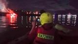 Nad Wisłą zapaliła się barka. Na miejscu pracowały zastępy straży pożarnej