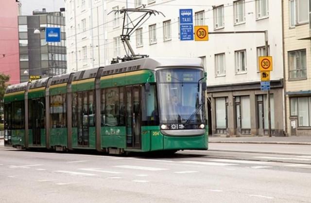 Dwa używane tramwaje Variotram są już w drodze z Helsinek do Łodzi i dotrą do miasta pod koniec tygodnia. Miejskie Przedsiębiorstwo Komunikacyjne Łódź będzie testować oba pojazdy przez osiem miesięcy. Jeśli testy przebiegną pozytywnie, jest możliwe, że MPK odkupi większą partię. CZYTAJ DALEJ NA KOLEJNYM SLAJDZIE>>>
