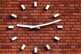 ZMIANA CZASU NA ZIMOWY 2014. Kiedy i w którą stronę przestawiamy zegarki?