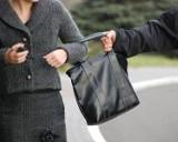 Będzin: złodziej wyrwał torebkę kobiecie przed dworcem kolejowym. Co stało się potem?