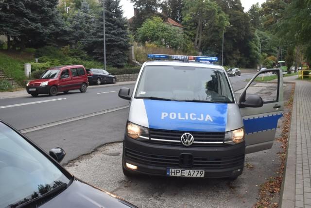 W Krośnie Odrzańskim na ulicy Chrobrego doszło do zderzenia trzech samochodów.