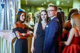 Studniówka XVII LO w Poznaniu 2019: Maturzyści bawili się w Domu Żołnierza [ZDJĘCIA]
