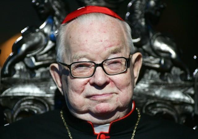 Kardynał Henryk Gulbinowicz został pozbawiony insygniów biskupich. Ma też zakaz pojawiania się publicznie. To decyzja papieża Franciszka