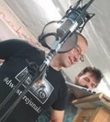 Rok temu burmistrz Krosna Odrzańskiego, Marek Cebula... rapował. Włodarz brał udział w akcji #Hot16Challenge2. Pamiętacie?