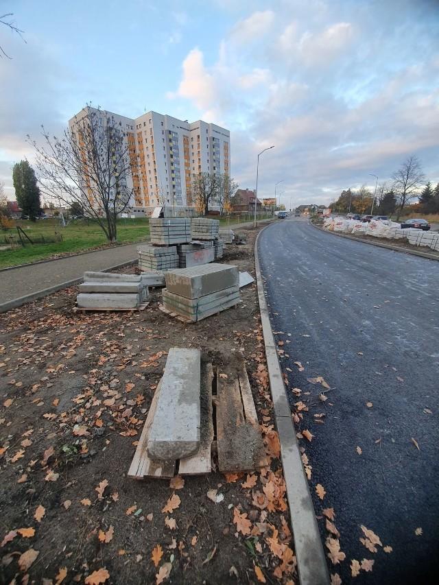 Remont ulicy Zjednoczenia w Zielonej Górze podzielono na dwa etapy. W poniedziałek, 23 listopada rozpocznie się drugi. Będzie możliwość wjazdu w ulicę Działkową. Zakończenie inwestycji do 18 grudnia br.